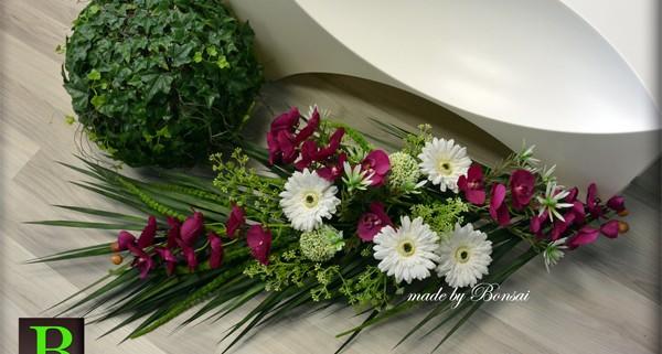 Nagrobni aranžma z orhidejo
