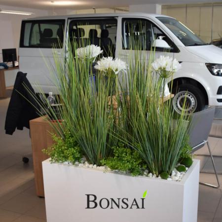 notranja oprema prostora umetne rože trava umetno cvetje avtosalon