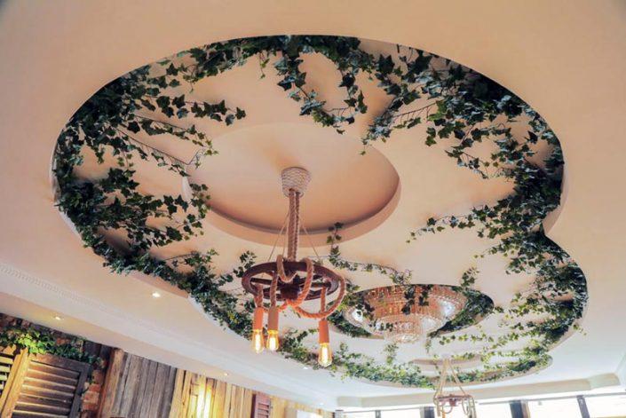 Umetne plezalke v poslovnem prostoru