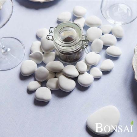 Beli kamni z UV zaščito